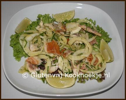 salade met gerookte forel en venkel