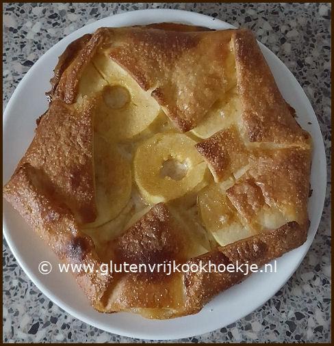 simpel appeltaartje met geitenkaas met honing in een bladerdeegjasje